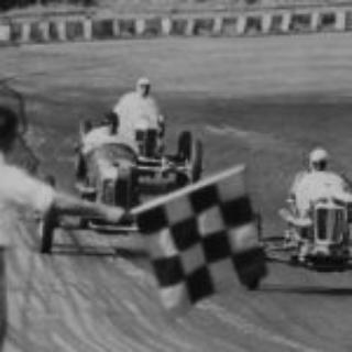 WFC_077_32-Race-Brunmier-wins-Helmet-Dash-in-Waeds-car-Triplett-is-second-and-Bob-Carey-is-third